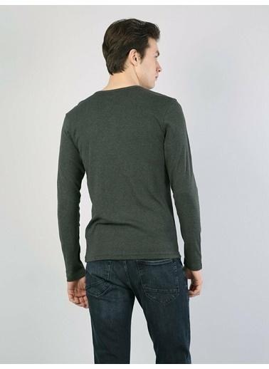 Colin's Slim Fit Düğmeli Yaka Erkek Uzun Kol Tişört Haki